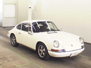 1972 Porsche 911 at auction -- front