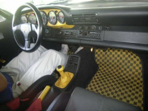911 Speedster at auction in Japan -- Interior