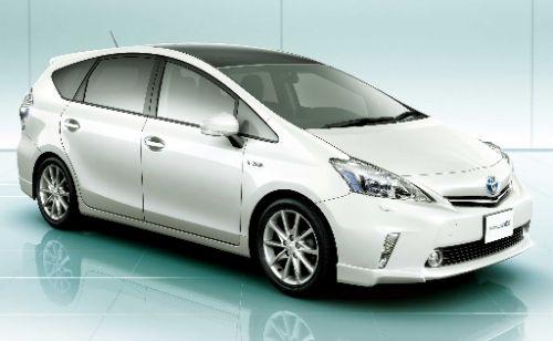 Toyota Prius Alpha hybrid minivan