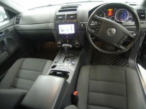 VW Touareg 2003 interior