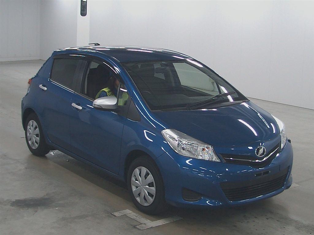 2011 Toyota Vitz Jewela front