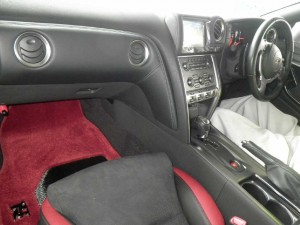 2009 Nissan GT-R Black Edition interior