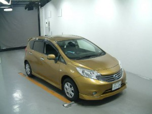 2013 Nissan Note Medalist front view