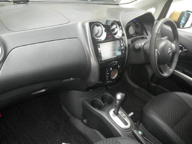 2013 Nissan Note Medalist interior
