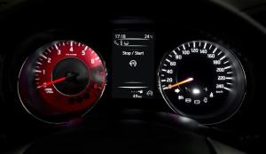 Nissan Pulsar NISMO Concept red tachometer