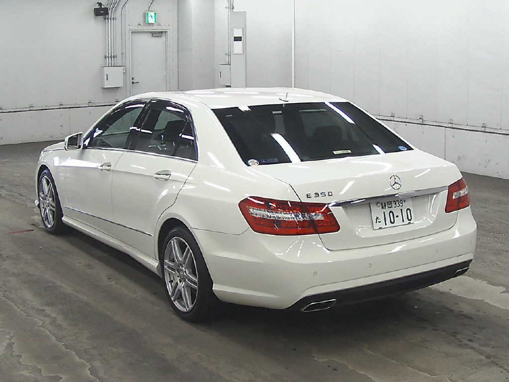 2009 Mercedes Benz E350 rear