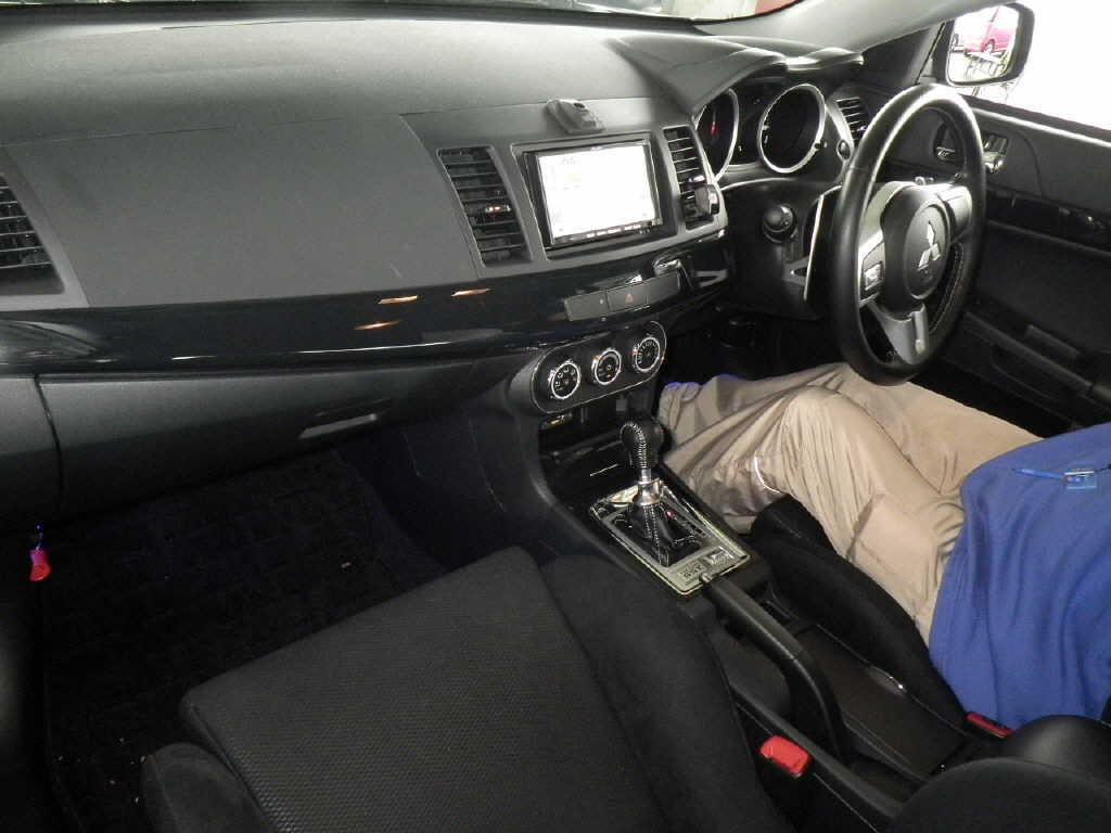 2013 Mitsubishi Lancer Evo GSR interior