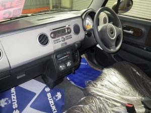 2014 Suzuki Alto interior