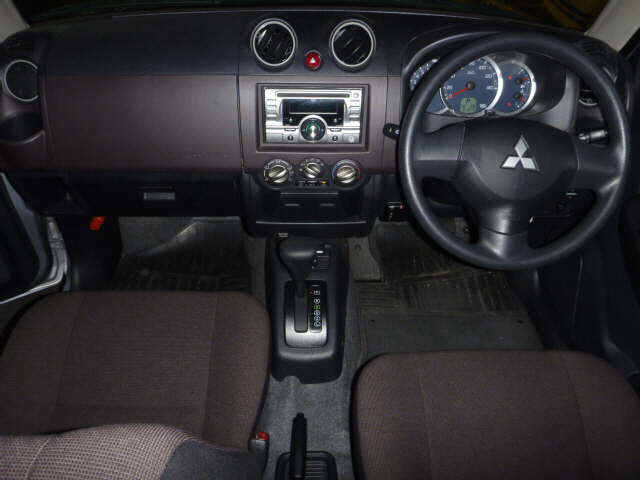 2010 Pajero Mini interior
