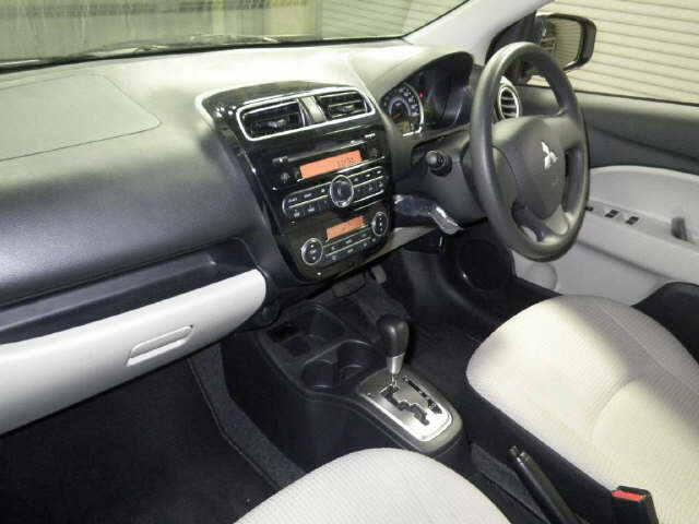 2013 Mitsubishi Mirage G interior