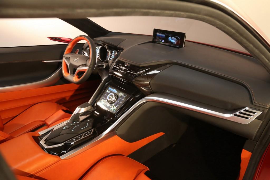 2015 Mitsubishi XR-PHEV II Concept interior design