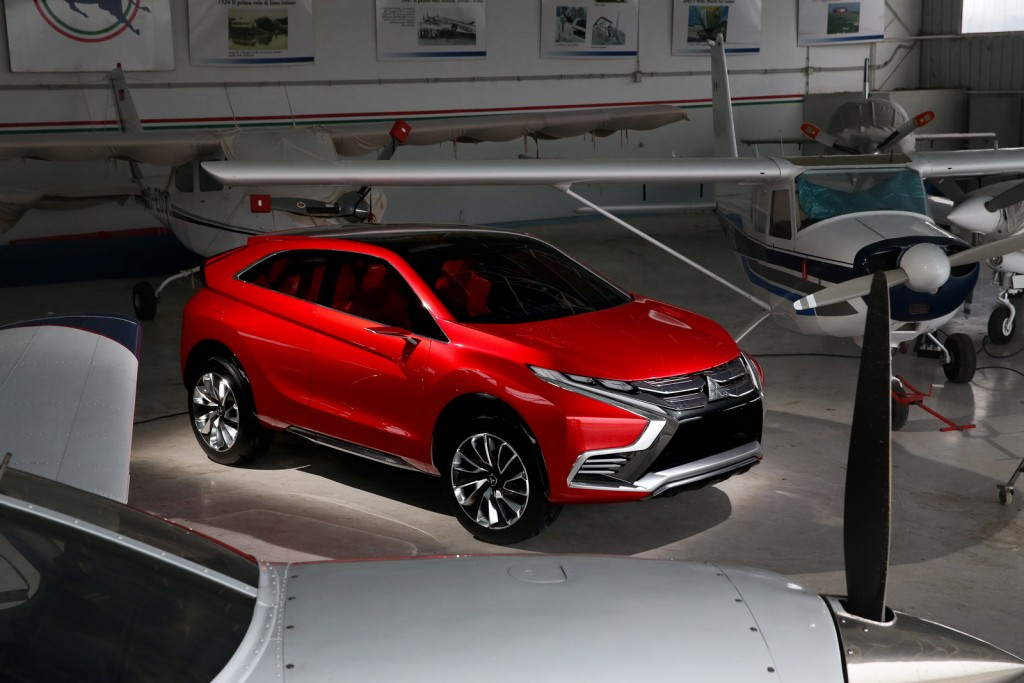 2015 Mitsubishi XR-PHEV II Concept preview