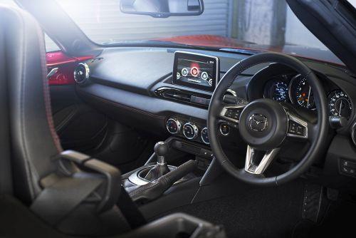 2016 Mazda MX-5 interior