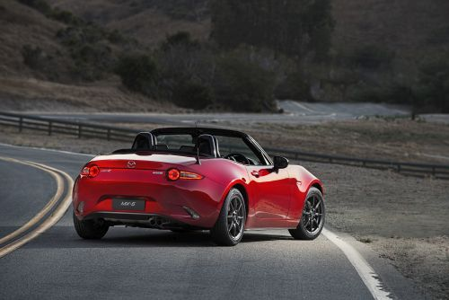 2016 Mazda MX-5 roadster rear