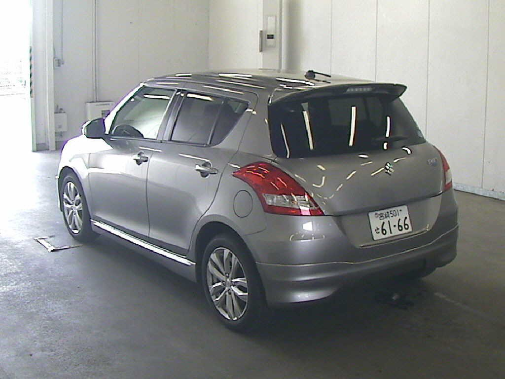 2014 Suzuki Swift RS rear