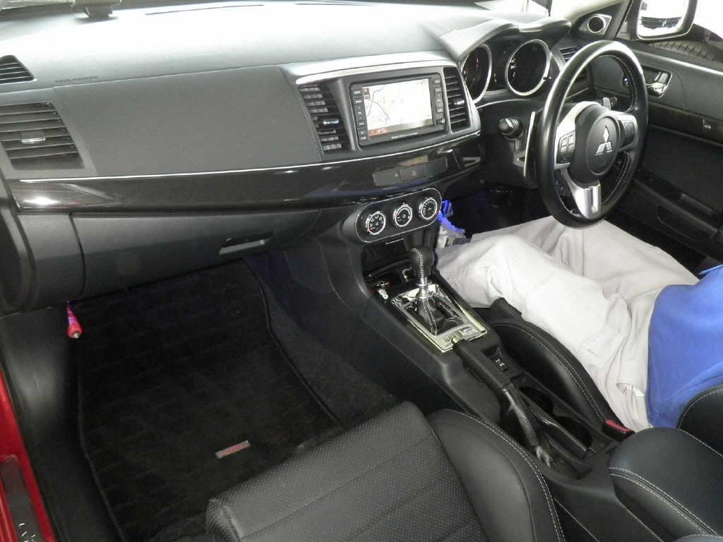2010 Mitsubishi Lancer Evo GSR interior