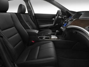 2015 Honda Crosstour interior