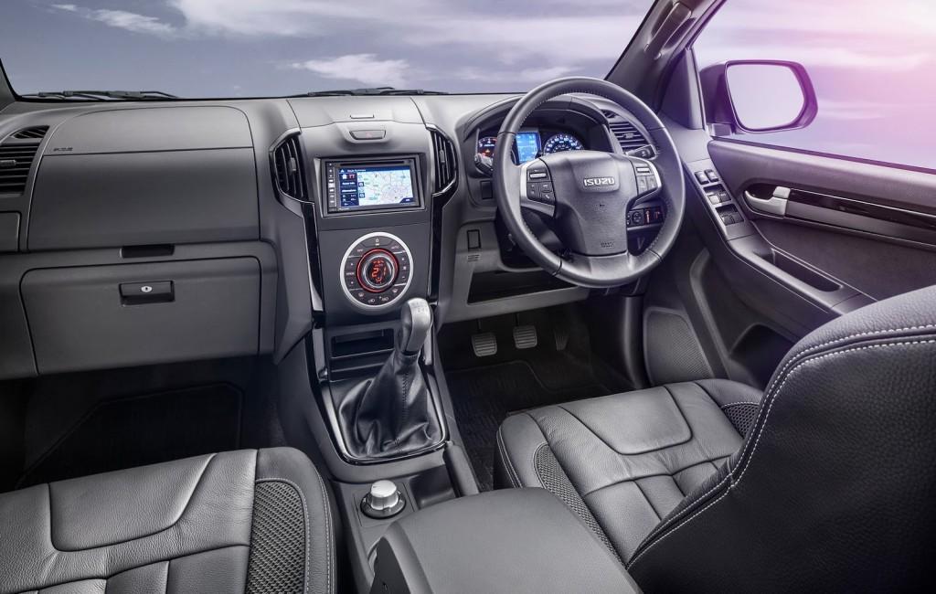 2015 Isuzu D-Max Blade interior