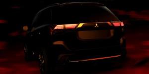 2016 Mitsubishi Outlander Teaser 2
