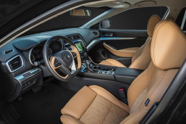 2016 Nissan Maxima Interior