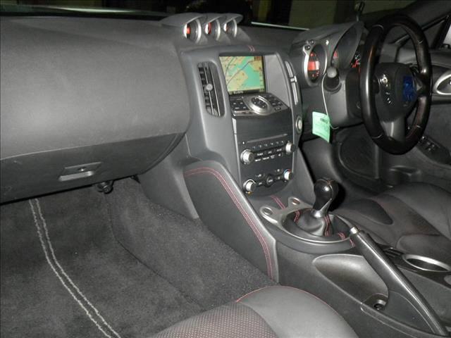 2009 Nissan Fairlady Z interior