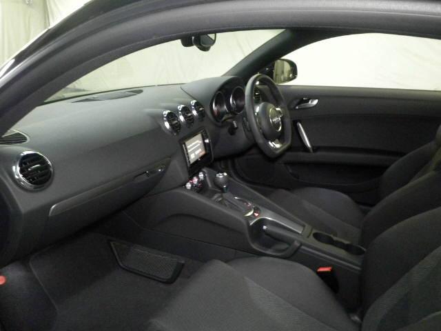 2013 Audi TT interior