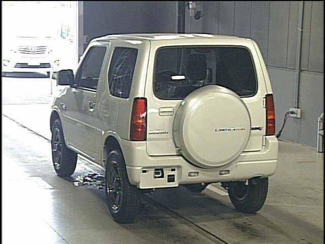 2015 Suzuki Jimny rear