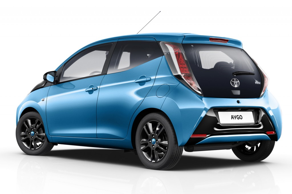 2015 Toyota Aygo X-Cite rear