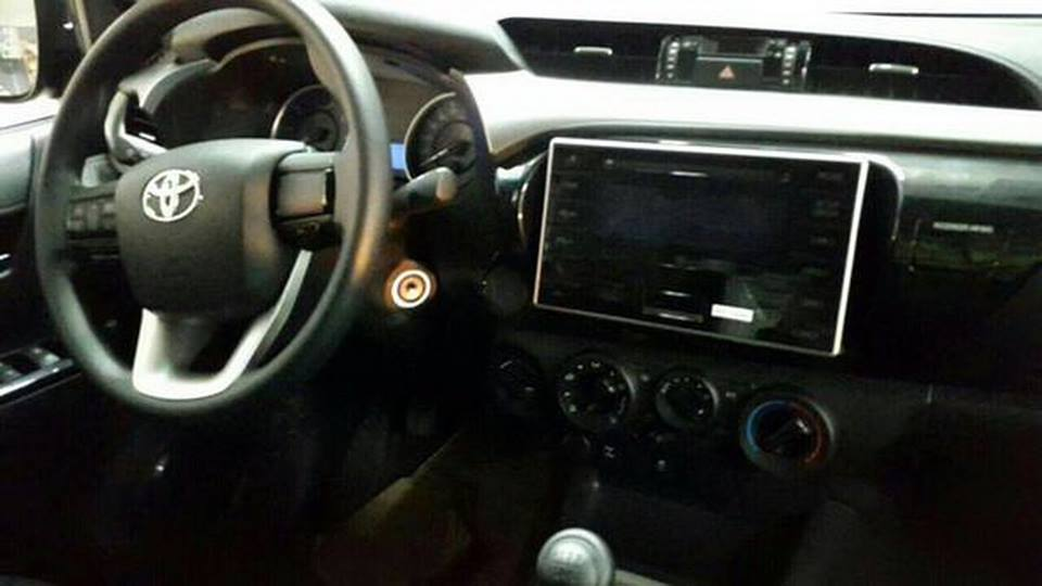 Toyota Hilux spy shot interior