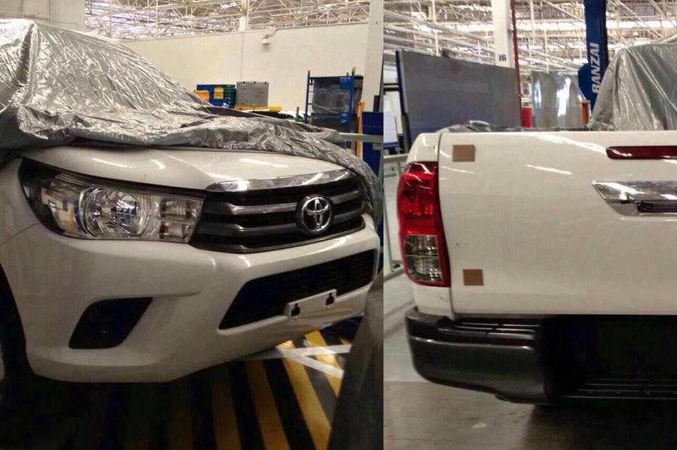 Toyota Hilux spy shot under wraps