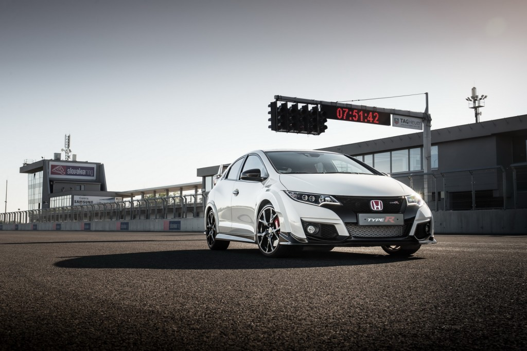 2016 Honda Civic Type R on the track
