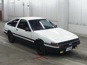 1984 Toyota Sprinter Trueno at auction in Japan -- front